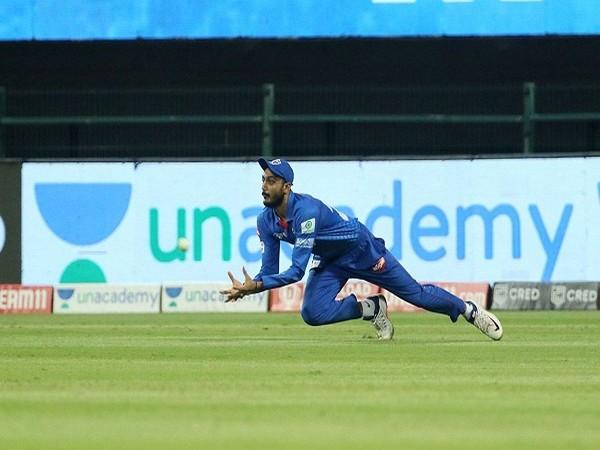 Axar Patel of Delhi Capitals takes a catch of Ishan Kishan (Image: BCCI/IPL)