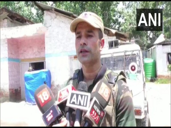 Azim Khan, SHO Sopore speaking to media on Wednesday. (Photo/ANI)