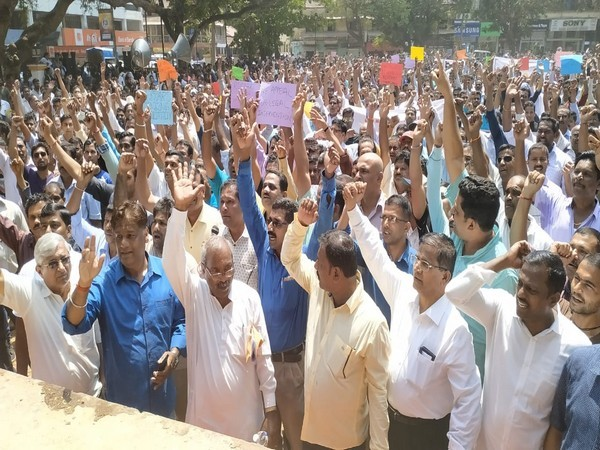 Thousands throng Panaji on Thursday to protest against the ban on mining in the region. [Photo/ANI]