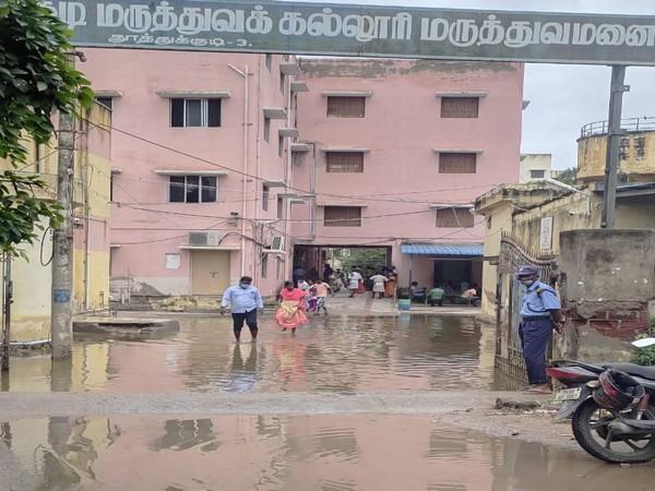 Rainwater blocks the entrance of Thoothukudi Government Hospital. (Photo/ANI)