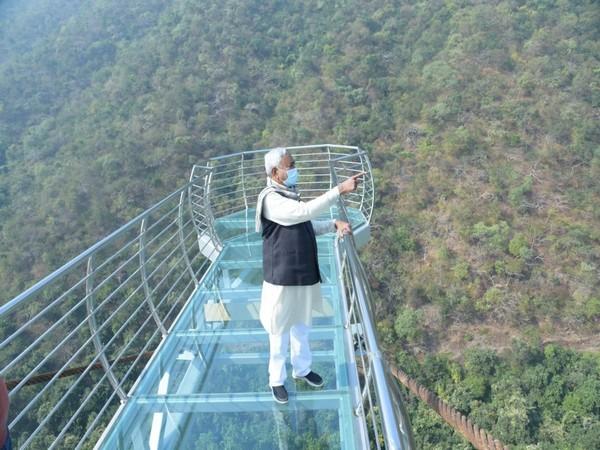 Bihar Chief Minister Nitish Kumar on Saturday inspected Nature Safari and Zoo Safari at Rajgir in Nalanda district. (Photo/ ANI)