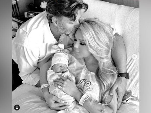 Slade Smiley and Gretchen Rossi along with their newborn Skylar Gray Smiley (Image courtesy: Instagram)