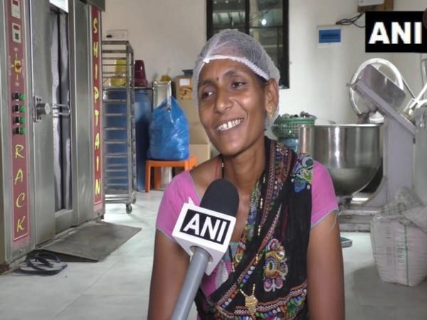 Jayshree Bhoye in the Apana Bakery (Photo/ANI)