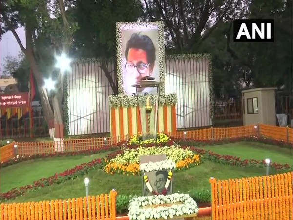 Balasaheb Thackery Smriti sthal decorated on eighth death anniversary of the Late Shivsena leader