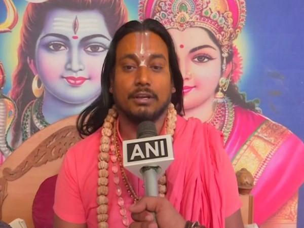 Mahant Balak Das of Patalpuri shrine talking to ANI in Varanasi on Thursday