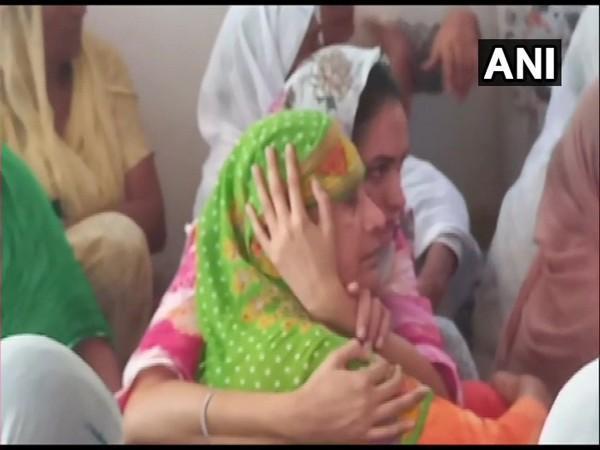Shaurya Chakra awardee Balwinder Singh's family mourned his death. (Photo/ANI)
