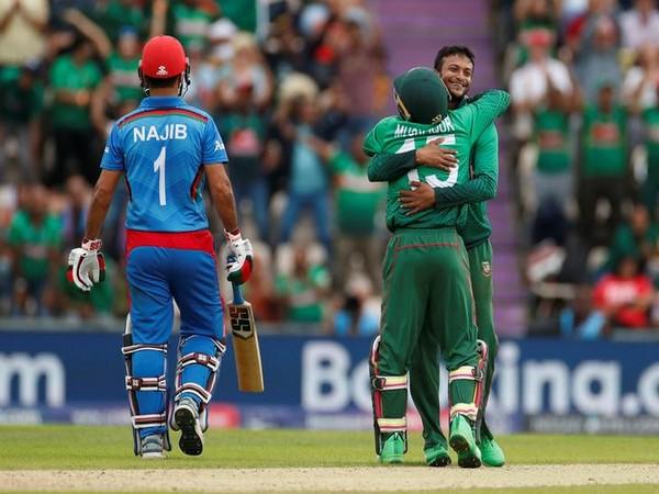 Shakib Al Hasan celebrating after taking a wicket