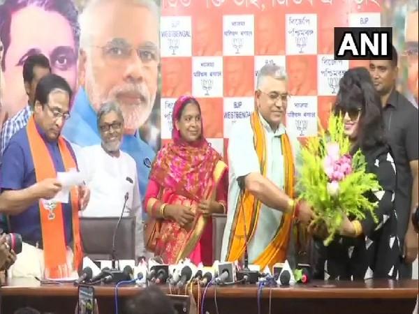 Bangladeshi film actress Anju Ghosh joining BJP in Kolkata, West Bengal on Wednesday. Photo/ANI
