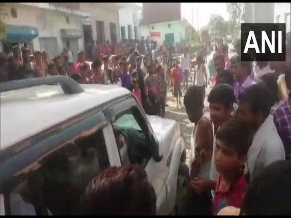 Delhi police team confronted by locals in Bareilly on Thursday