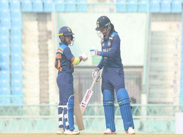 Batters Punam Raut and Smriti Mandhana (Image: BCCI)
