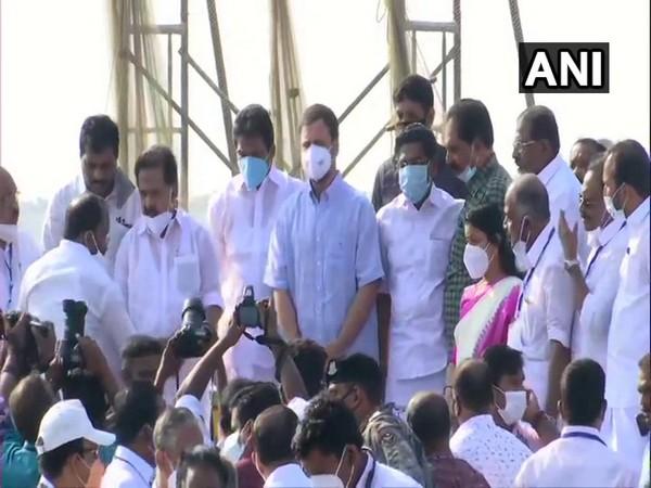 Visual of Rahul Gandhi meeting fishermen community at Kollam's Thangassery.