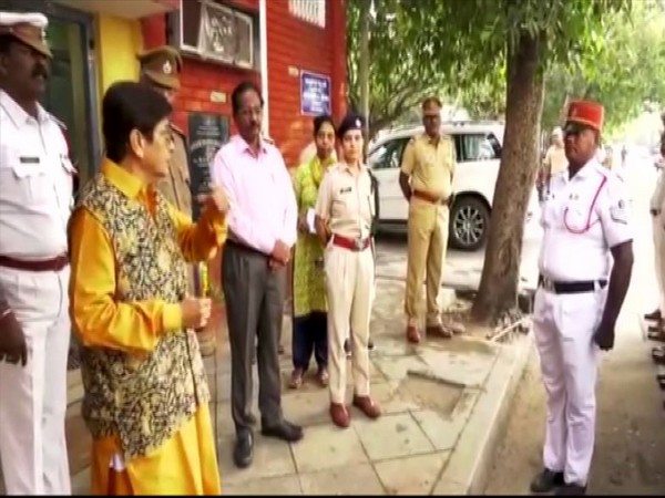 Lieutenant Governor Kiran Bedi on Saturday paid a surprise visit to the East Traffic Station in Puducherry city. Photo/ANI