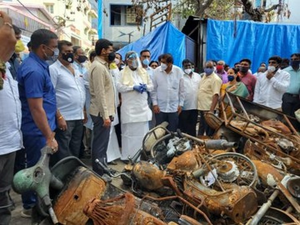 Karnataka Leader of Opposition Siddaramaiah along with local leaders visited DJ Halli and KG Halli where violence erupted last month. [Photo/ANI]