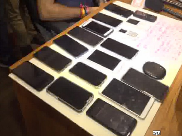 Mobile phones confiscated after arrest  of betting racketeers in Vadodara, Gujarat on Thursday. Photo/ANI