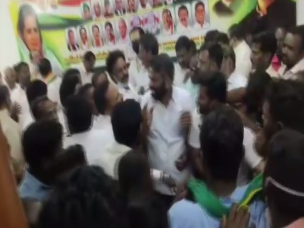 Visual of ruckus in Congress CEC meeting at the Congress Office in Puducherry.
