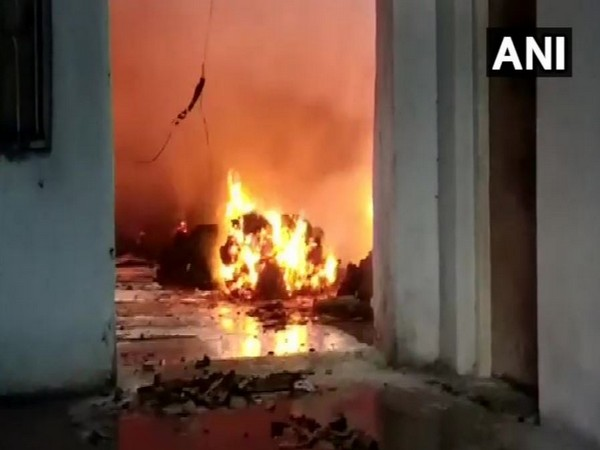 A fire broke out in a factory located in Chandan Park in Narpoli on Wednesday morning. Photo/ANI