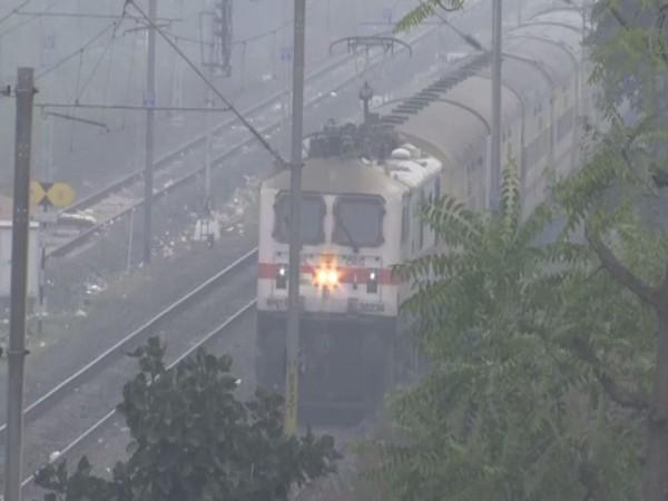 Bhopal wakes up to dense fog on Friday. Photo/ANI