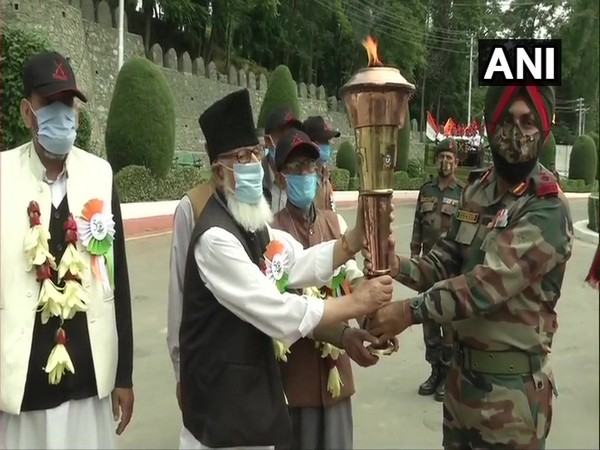The Victory Flame was received by soldiers and war veterans at Jammu and Kashmir Light Infantry (JKLI) Regimental Centre in Srinagar on Sunday.