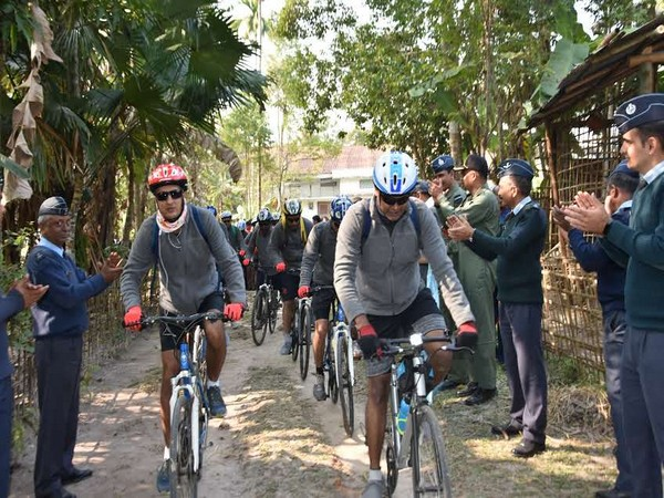 Air Headquarters Communication Squadron organises bicycle expedition