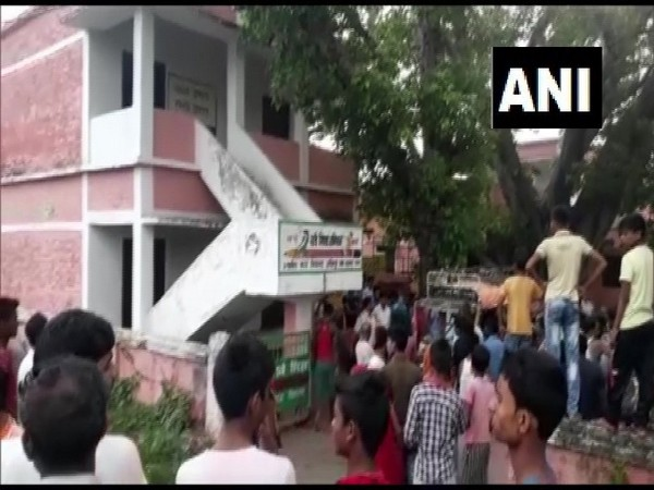 Body of a man found on the terrace of a school in Chhapra.