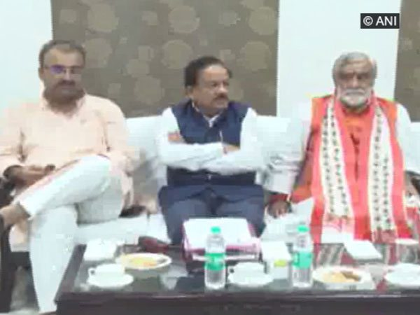 Bihar Health Minister Mangal Pandey (left), Union Health Minister Harsh Vardhan (centre) and MoS Health Ashwini Kumar Choubey (right) in the meeting.