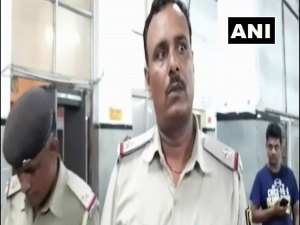 Sanjeet Kumar, Assistant Sub-inspector of GRP, while talking to ANI. (Photo: ANI)