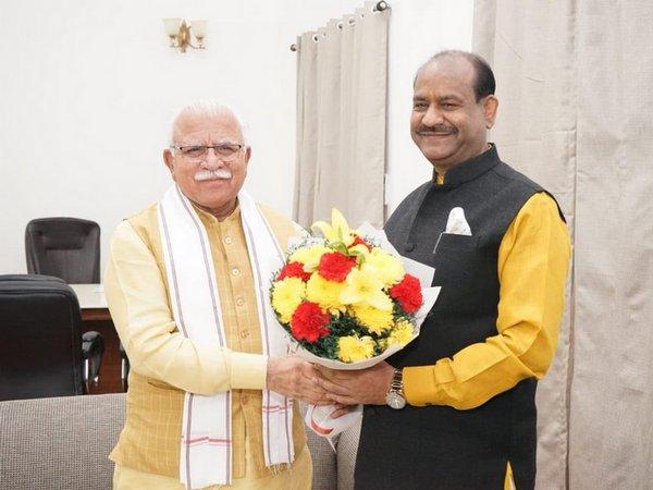 Haryana Chief Minister Manohar Lal Khattar (left)  with Lok Sabha speaker Om Birla (right) meeting in New Delhi.