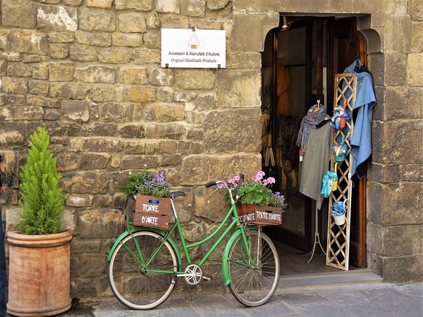 Small shops and business re-open in Europe