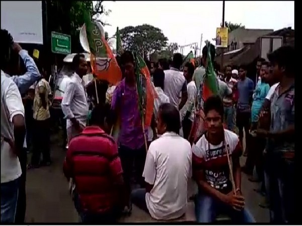 BJP suporters protesting against Police action in Hooghly district on Thursday morning (Photo/ANI)
