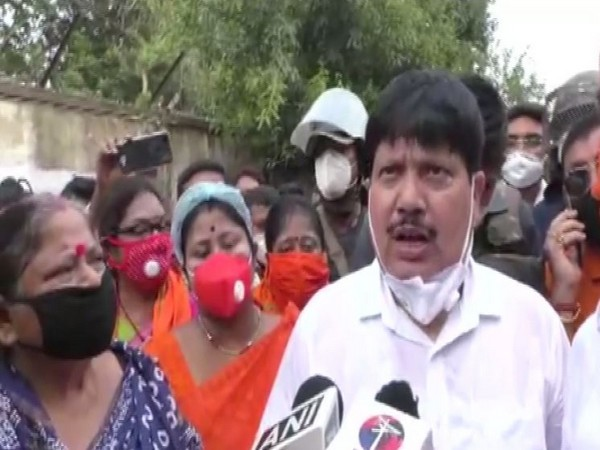 Barrackpore BJP MP Arjun Singh while speaking to media today. (Photo/ANI)