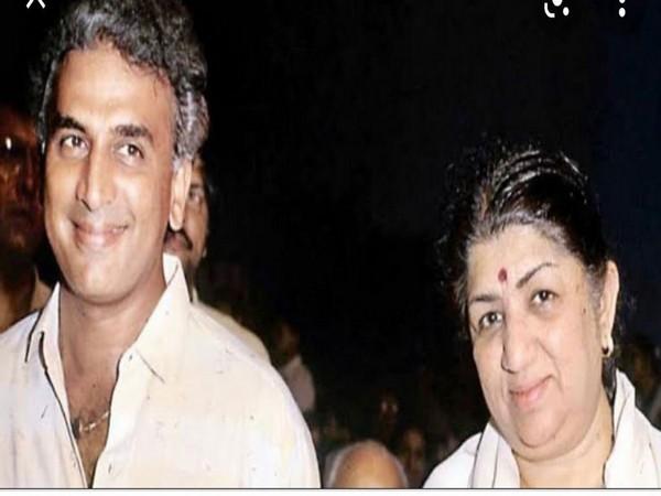 Sunil Gavaskar and Lata Mangeshkar (Image source: Twitter)