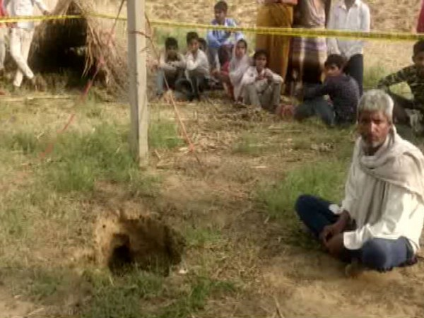The borewell into which a 5-year-old child fell in Mathura on Saturday. Photo/ANI