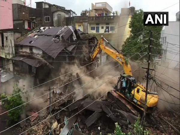 Visuals of the demolished building in Indore, Madhya Pradesh.