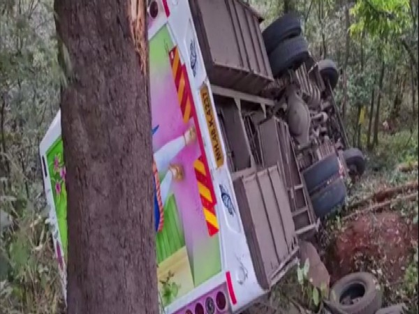 Bus falls into a 50 feet gorge in Kashedi Ghat
