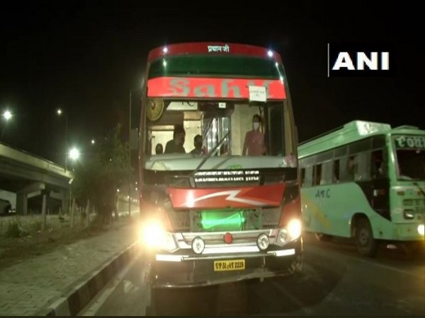 Buses bound for Uttar Pradesh, Jharkhand, Bihar, and West Bengal have been stationed at Delhi-Noida and Delhi-Ghazipur borders since Monday.