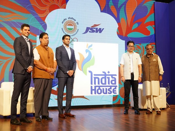 Union Sports and Youth Affairs Minister Kiren Rijiju along with Dr Narinder Dhruv Batra, Rajeev Mehta, Parth Jindal, and Mustafa Ghouse during an event on Thursday. Photo/ANI
