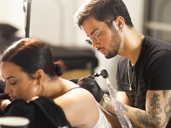 Singer Demi Lovato and Tattoo Artist Alessandro Capozzi (Image courtesy: Instagram)