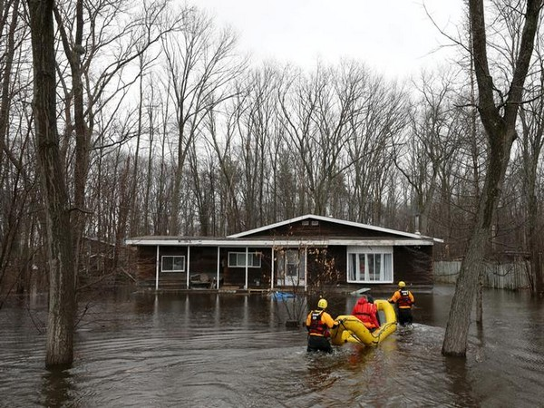 Flood relief efforts underway in Ottawa