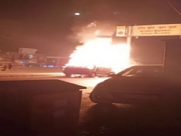 Moving car catches fire in Mumbai on Tuesday. (Photo/ANI)