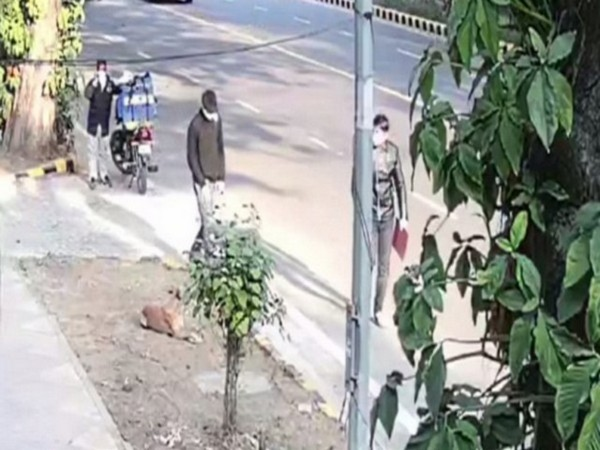 Visual released by NIA showing two suspects before the blast near Israel Embassy in Delhi.