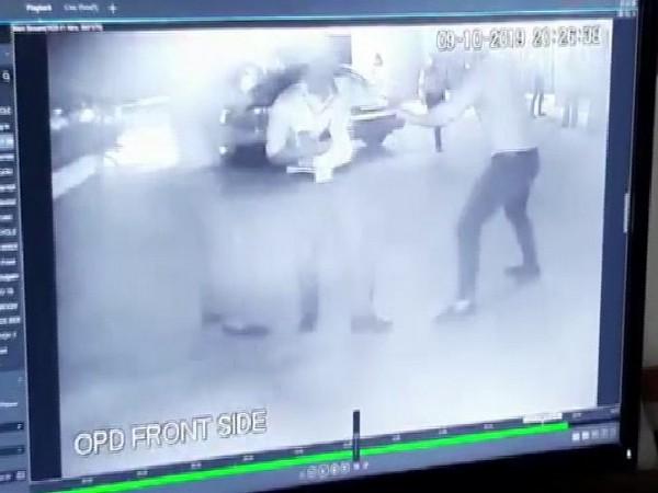 Guard attacked by four men in New Delhi. Photo/ANI
