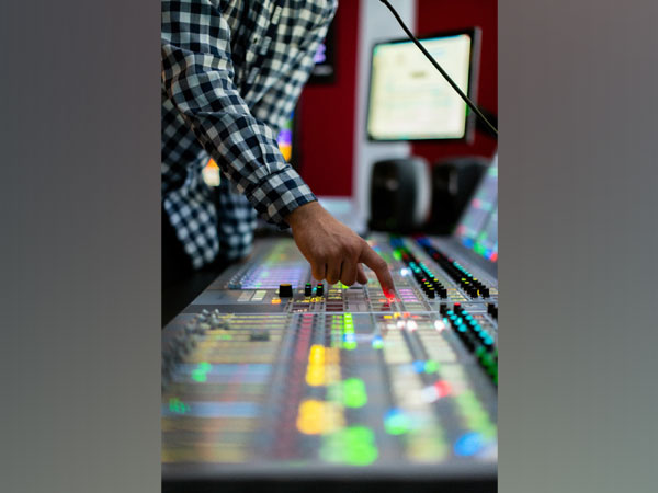 Sky Wire Broadcast offers end-to-end broadcasting solutions to optimize audio-visual content