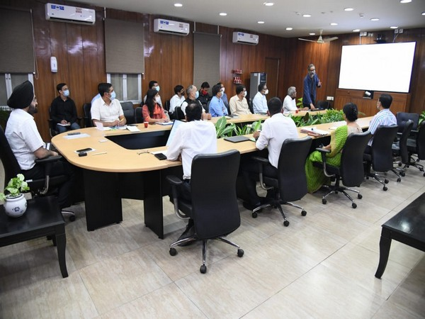 Tourism department held a review meeting in Uttarakhand