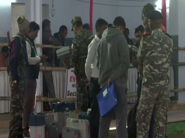 Police personnel carrying out security checks in East Singhbhum in Jharkhand on Friday. Photo/ANI