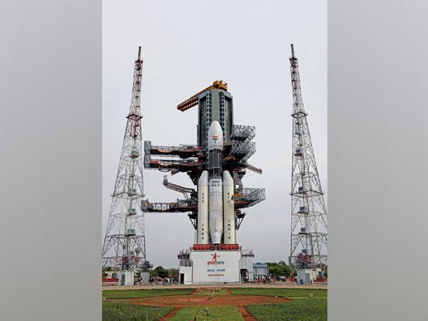 Geosynchronous Satellite Launch Vehicle Mark-III carrying Chandrayaan-2 in Sriharikota. (Picture courtesy: ISRO Twitter)