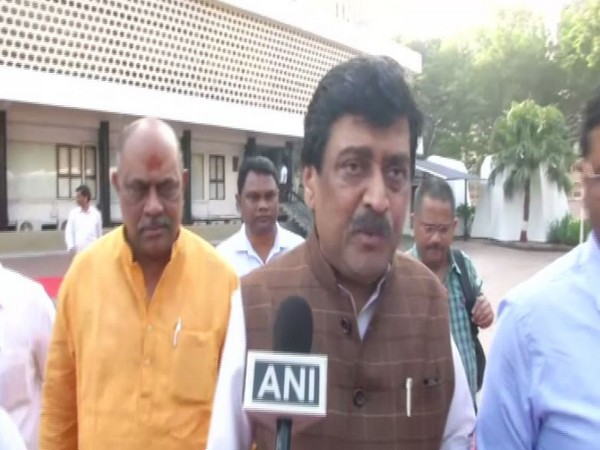 Senior Congress leader Ashok Chavan speaks to ANI in Mumbai on Wednesday [Photo/ANI]