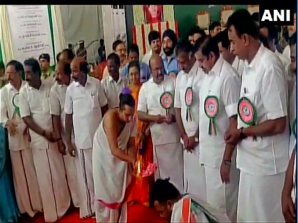 Tamil Nadu Chief Minister Edappadi K Palanisamy and Deputy Chief Minister O Panneerselvam while laying foundation stone of Nemmeli Seawater Desalination Plant in Chennai. (Photo: ANI)