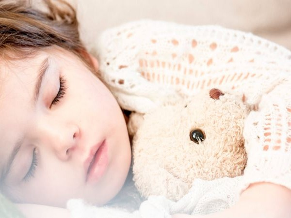 Depression, anxiety, impulsive behavior and poor cognitive performance in the children were associated with shorter sleep duration