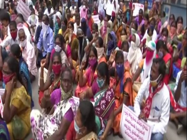 CITU has asked the state gobvernment to take back its order which removed cleaners' from their jobs. (Photo: ANI)