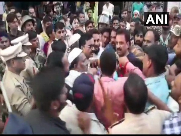Workers of AIMIM and NCP clashed in Aurangabad , Maharashtra on Monday